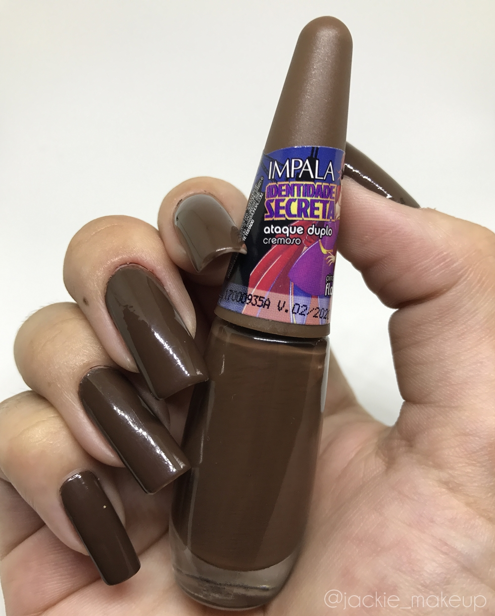 Usando Spray Ice Charming Cless no esmalte ataque duplo impala